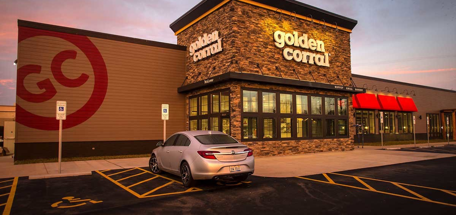Golden Corral revamps dining room formats as Garden Fresh goes under