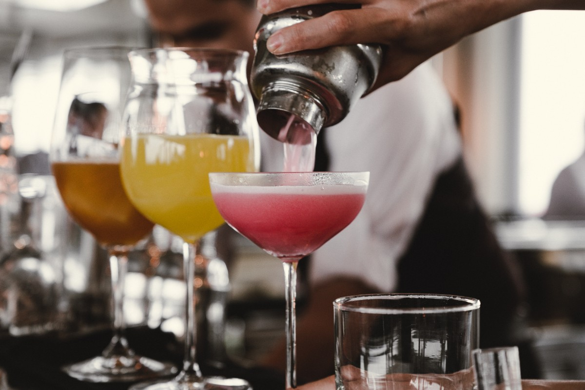 Alcohol pairs well with food delivery, but restaurants missing out